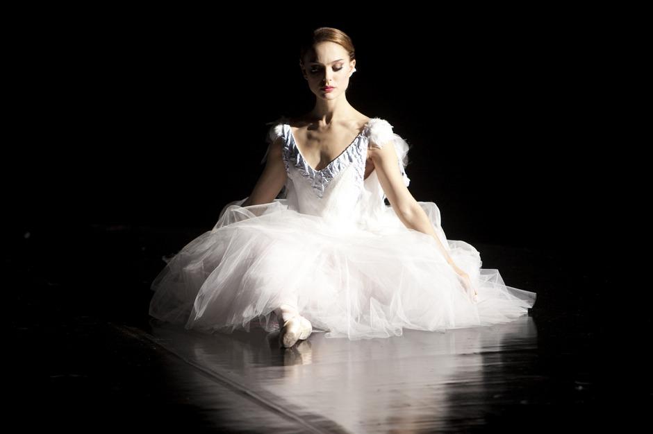 natalie portman mila kunis black swan. view of Natalie Portman#39;s