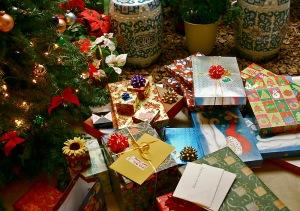 Christmas Gifts Kelvin Kay wikimedia